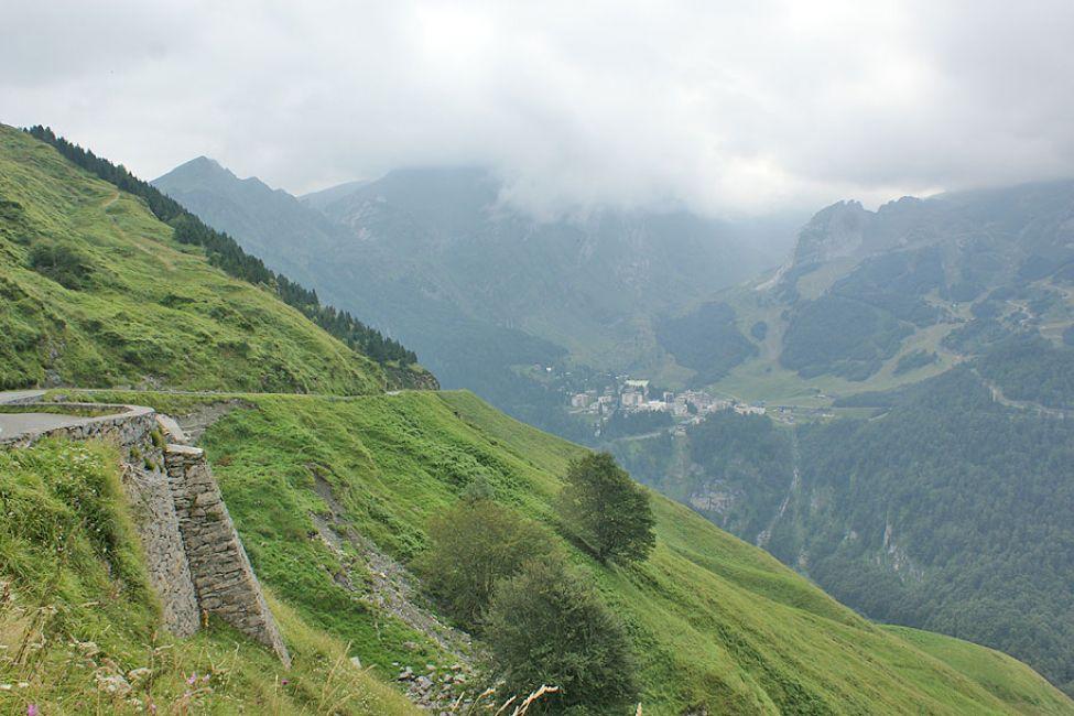 Les Eaux Bonnes Gourette Col D Aubisque Villes Villages Et Bastides A Eaux Bonnes Guide Bearn Pyrenees