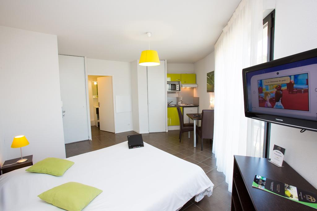 All suites appart h tel pau h tels pau for Appart hotel suite
