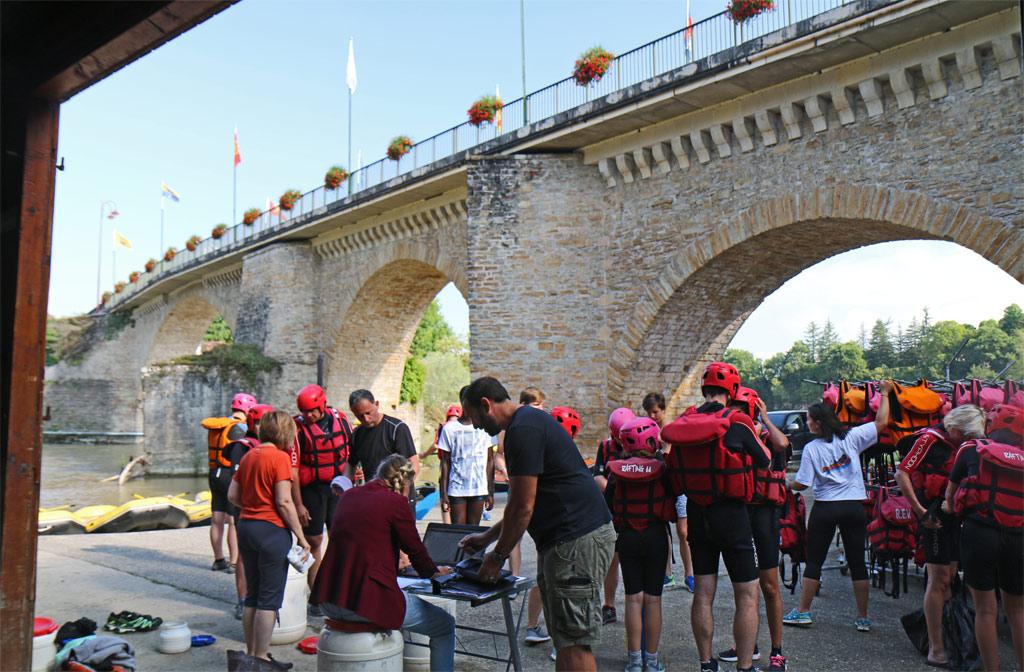 Le magnifique Pont de Navarrenx et Nicolas au premier plan !
