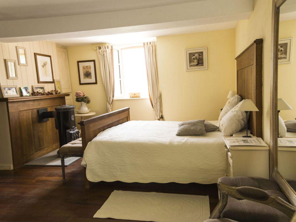 Chambre dans la Bastide d'Estratte